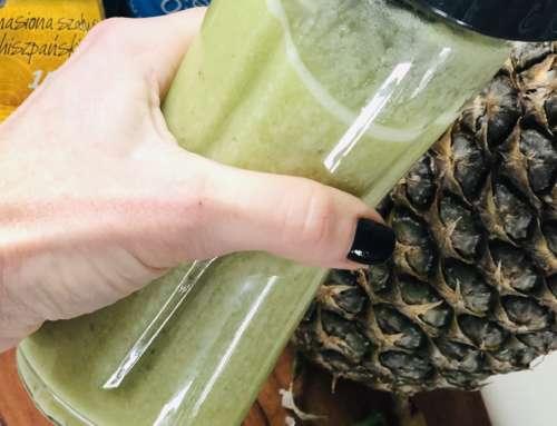 Genialne ananasowo-bananowe smoothie z wodą kokosową